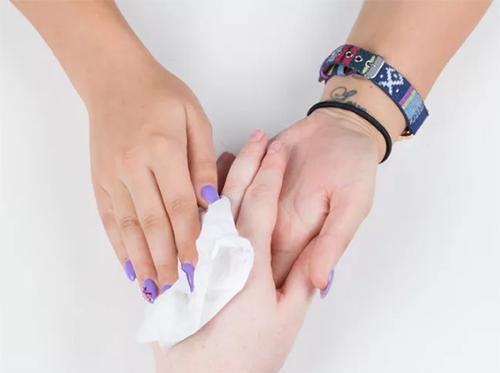 2 bước chăm sóc móng tay đẹp tự nhiên với dầu nóng - 8