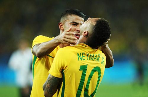 Giành HCV Olympic, Neymar khóc như đứa trẻ - 1