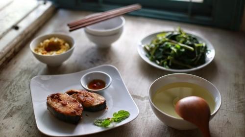 Nên ăn cơm trưa lúc mấy giờ và ăn gì trong bữa trưa? - 1
