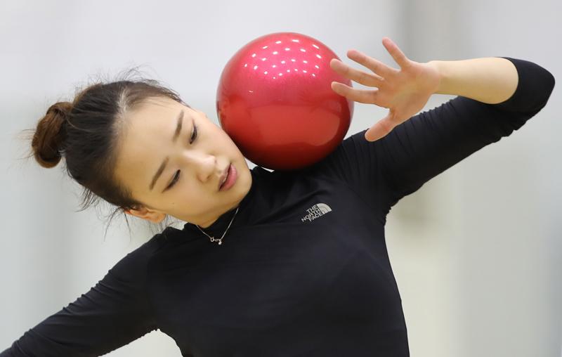 Thẫn thờ xem VĐV xinh như Hoa hậu tranh tài Olympic - 6