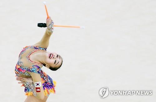 Thẫn thờ xem VĐV xinh như Hoa hậu tranh tài Olympic - 8