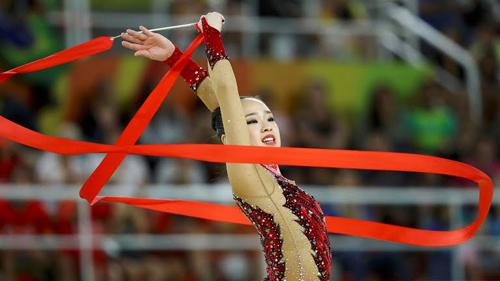 Thẫn thờ xem VĐV xinh như Hoa hậu tranh tài Olympic - 4