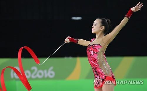 Thẫn thờ xem VĐV xinh như Hoa hậu tranh tài Olympic - 5