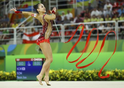 Thẫn thờ xem VĐV xinh như Hoa hậu tranh tài Olympic - 3