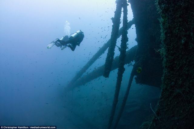 Khám phá tàu chiến Mỹ 13.000 tấn chìm sâu dưới biển - 1