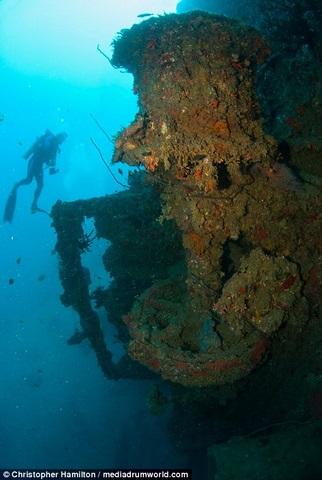 Khám phá tàu chiến Mỹ 13.000 tấn chìm sâu dưới biển - 6