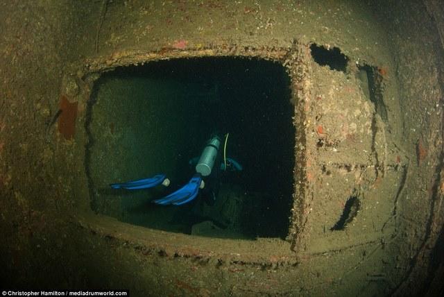 Khám phá tàu chiến Mỹ 13.000 tấn chìm sâu dưới biển - 8