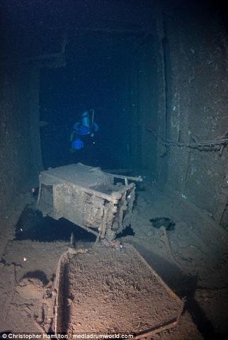 Khám phá tàu chiến Mỹ 13.000 tấn chìm sâu dưới biển - 7