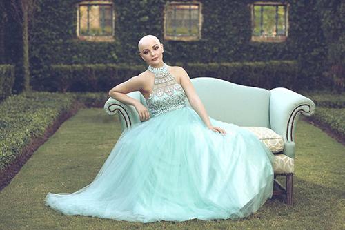 Ung thư không ngăn cô gái 17 tuổi xinh như công chúa - 6