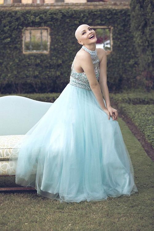 Ung thư không ngăn cô gái 17 tuổi xinh như công chúa - 4