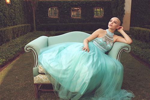 Ung thư không ngăn cô gái 17 tuổi xinh như công chúa - 8