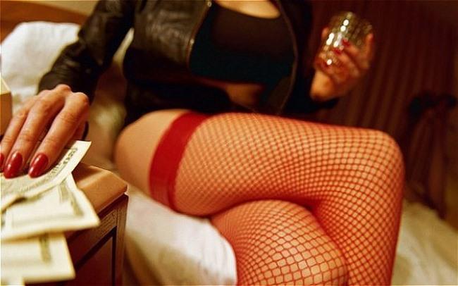 Thủ đoạn mồi chài mại dâm tinh vi của ma cô thời nay - 2