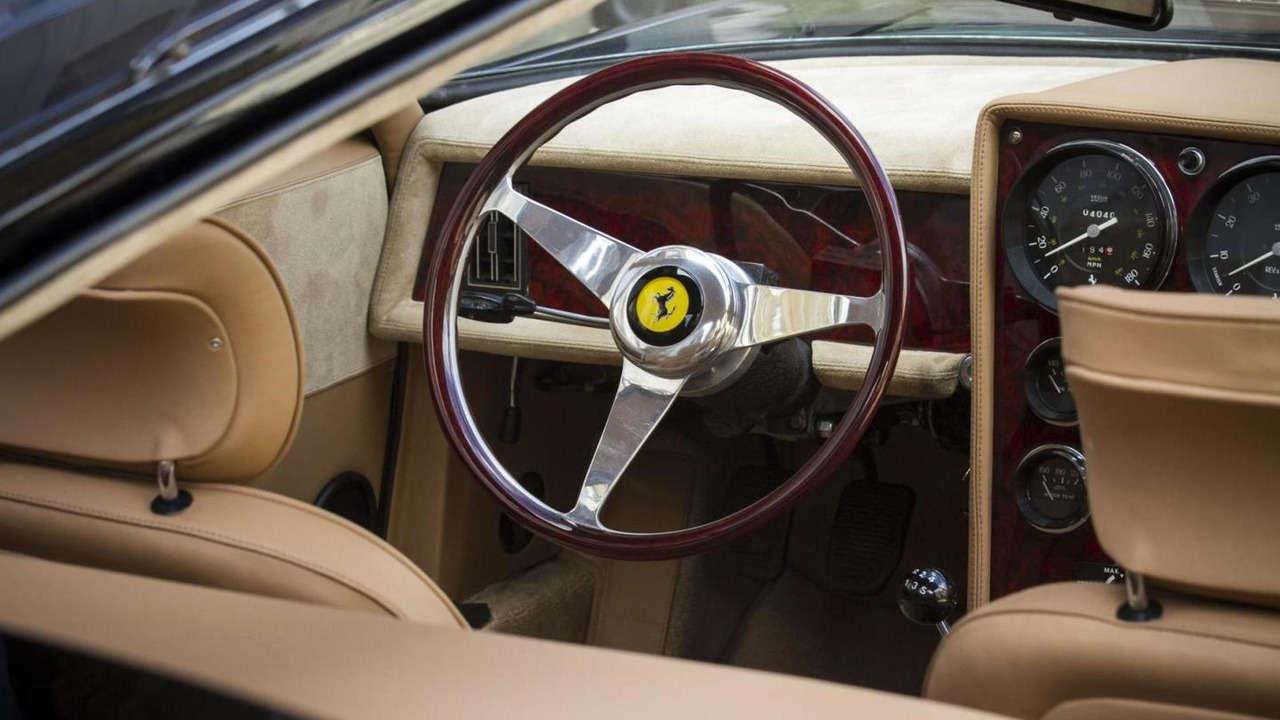 """Huyền thoại Ferrari 365 GTB/4 Daytona có giá """"khủng"""" - 5"""