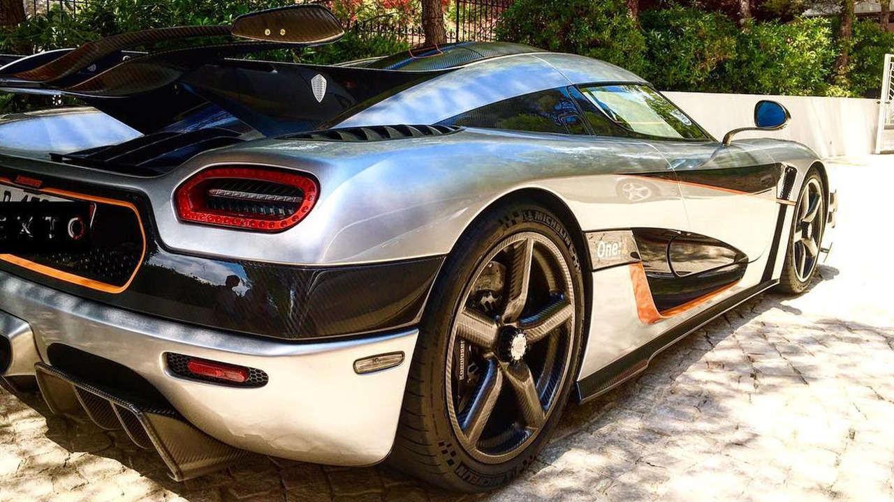 """Tay đua nữ """"sexy"""" điều khiển siêu xe Koenigsegg One:1 - 2"""