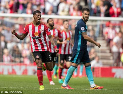 Sunderland - Middlesbrough: 45 phút đầu choáng váng - 1
