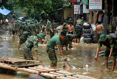 15 người chết và mất tích trong bão Thần Sét - 1