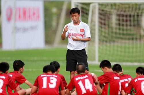 Đội hình bóng đá học đường U13 Việt Nam cọ xát 3 trận ở Nhật - 1