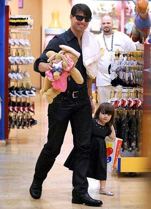 Cuộc sống bị bố lạnh nhạt của con gái Tom Cruise - 2