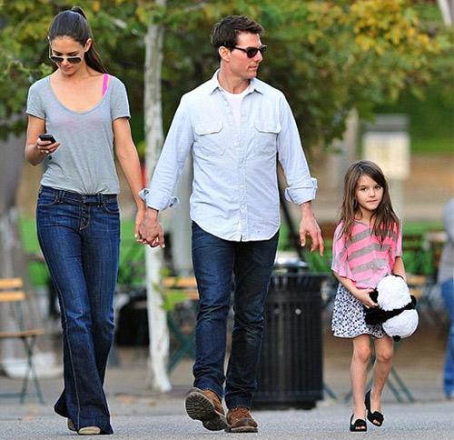 Cuộc sống bị bố lạnh nhạt của con gái Tom Cruise - 3