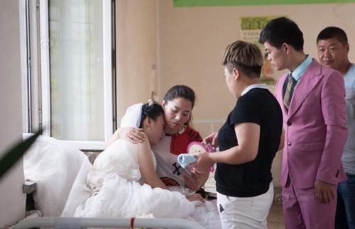 Hôn lễ đẫm nước mắt của cô gái ung thư giai đoạn cuối - 6