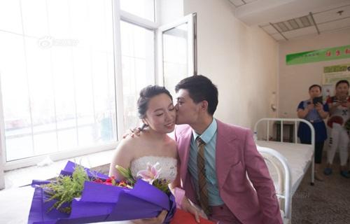 Hôn lễ đẫm nước mắt của cô gái ung thư giai đoạn cuối - 7
