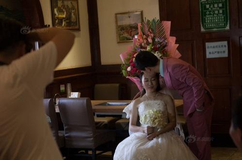 Hôn lễ đẫm nước mắt của cô gái ung thư giai đoạn cuối - 12
