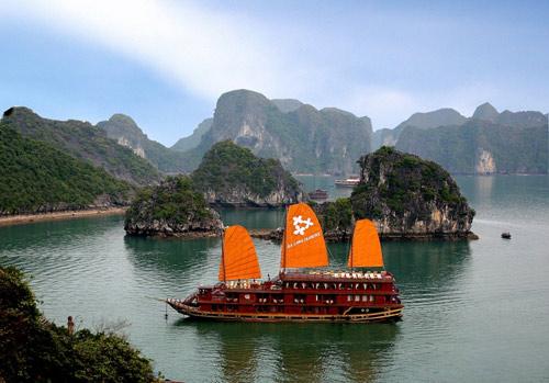 Quảng Ninh: Điểm đến lý tưởng của khách du lịch trong nước và quốc tế - 1