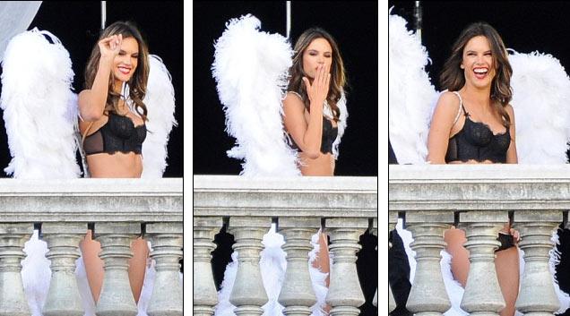 4 siêu mẫu mặc nội y, đeo cánh khuấy đảo nhà hát Paris - 10