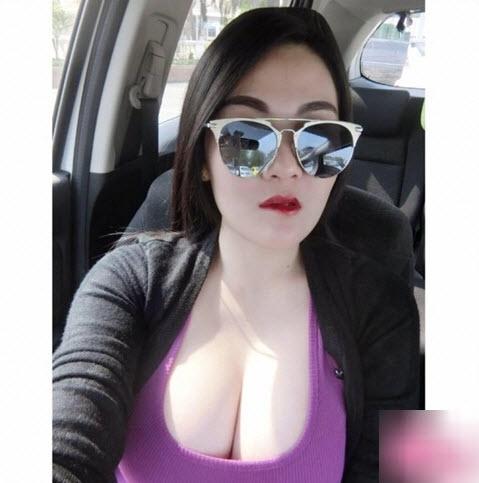 Sốc ảnh ăn chơi của hot girl Thái lạy mẹ nhặt rác - 4
