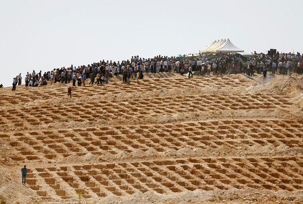 Đánh bom đám cưới Thổ Nhĩ Kỳ: Mồ chôn tập thể 51 người - 1