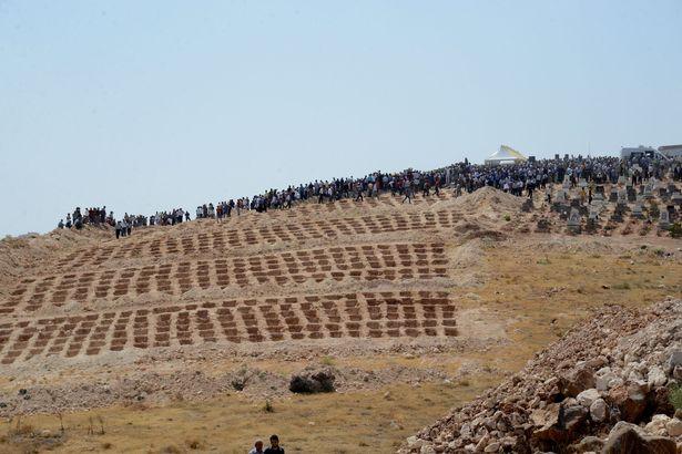 Đánh bom đám cưới Thổ Nhĩ Kỳ: Mồ chôn tập thể 51 người - 2
