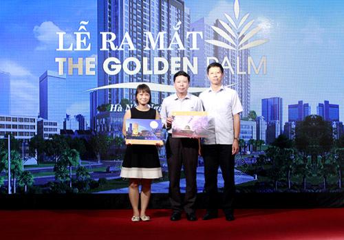 """The Golden Palm """"hút khách""""  ngày đầu ra mắt - 2"""
