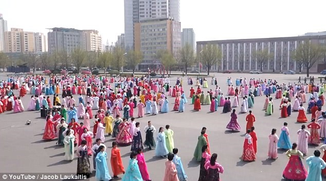 Điều khó đoán khi du lịch đất nước bí ẩn Triều Tiên - 4