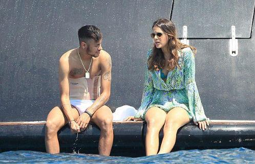 Neymar tặng HCV Olympic cho người yêu cũ - 3
