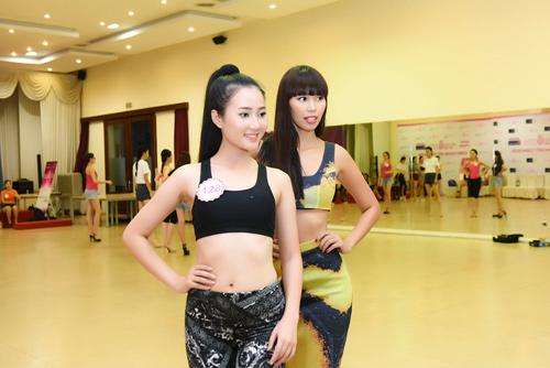 Hà Anh đọ dáng dàn thí sinh Hoa hậu Việt Nam 2016 - 3