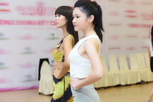 Hà Anh đọ dáng dàn thí sinh Hoa hậu Việt Nam 2016 - 5