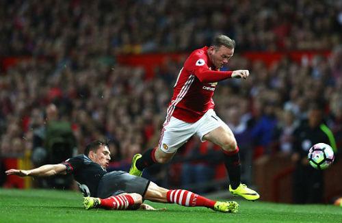 """MU - Rooney: Đội trưởng """"cô đơn"""" và dấu hỏi tương lai - 2"""