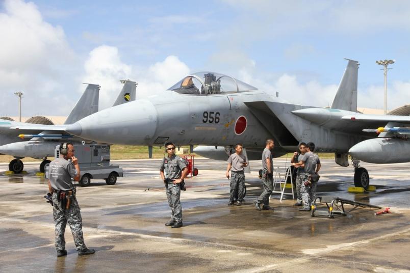 Nhật sẽ tăng gấp đôi tên lửa trên máy bay F-15 chống TQ - 2