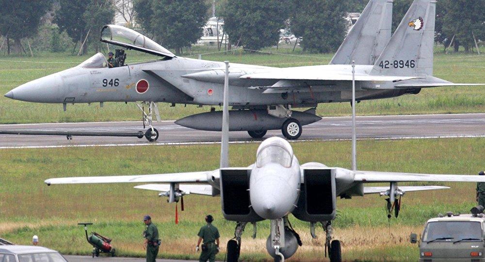 Nhật sẽ tăng gấp đôi tên lửa trên máy bay F-15 chống TQ - 3