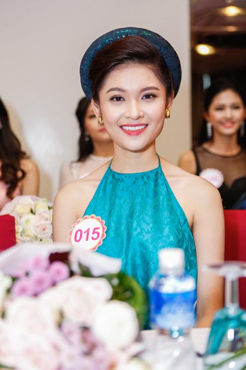 Ngắm top 30 Hoa hậu VN trong lần đầu ra mắt báo chí - 1