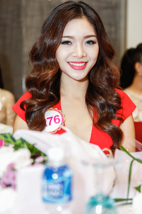 Ngắm top 30 Hoa hậu VN trong lần đầu ra mắt báo chí - 2