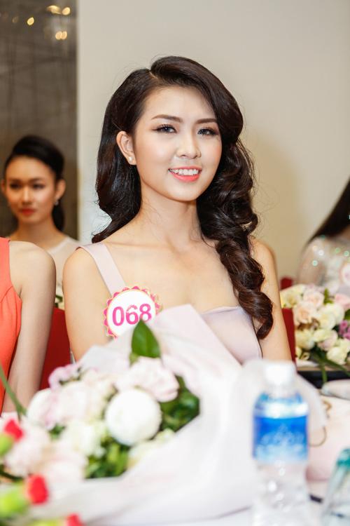 Ngắm top 30 Hoa hậu VN trong lần đầu ra mắt báo chí - 7