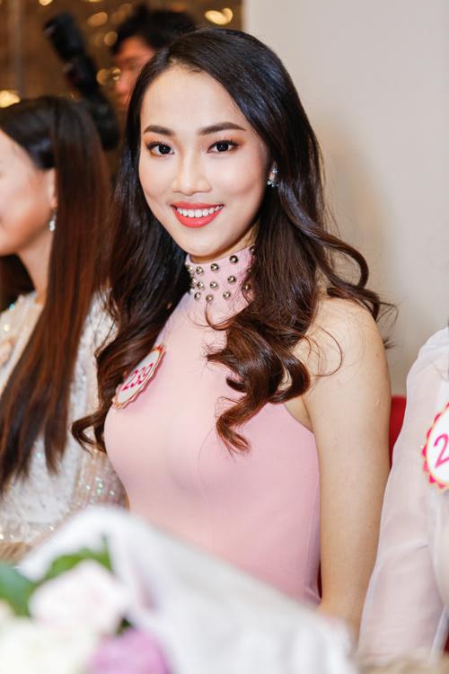 Ngắm top 30 Hoa hậu VN trong lần đầu ra mắt báo chí - 8
