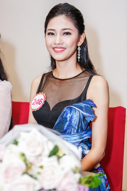Ngắm top 30 Hoa hậu VN trong lần đầu ra mắt báo chí - 6