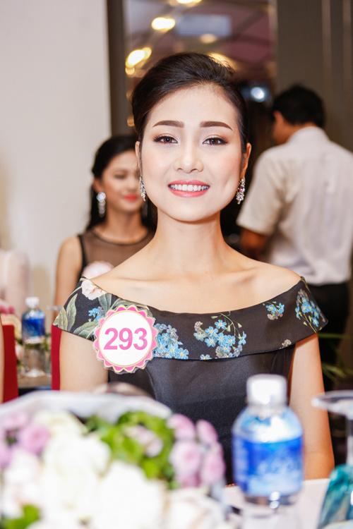 Ngắm top 30 Hoa hậu VN trong lần đầu ra mắt báo chí - 5