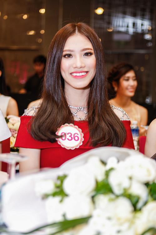 Ngắm top 30 Hoa hậu VN trong lần đầu ra mắt báo chí - 11