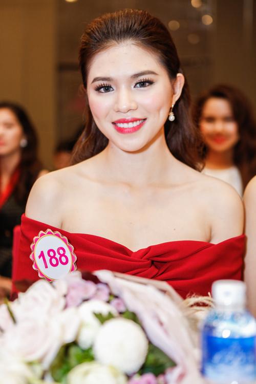 Ngắm top 30 Hoa hậu VN trong lần đầu ra mắt báo chí - 14