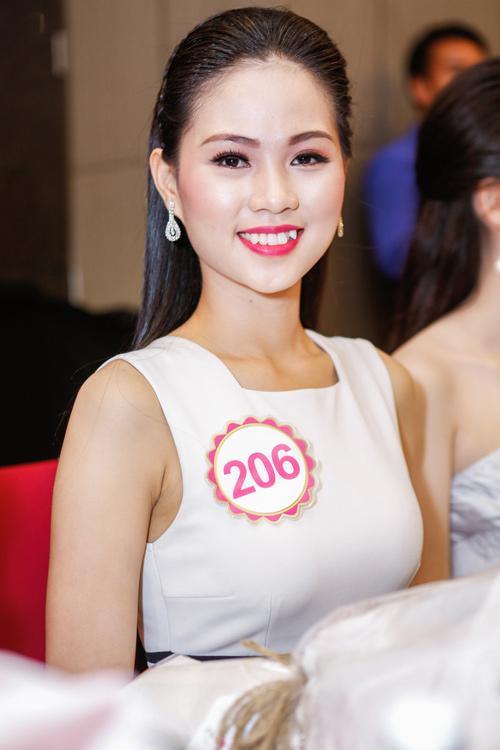 Ngắm top 30 Hoa hậu VN trong lần đầu ra mắt báo chí - 16