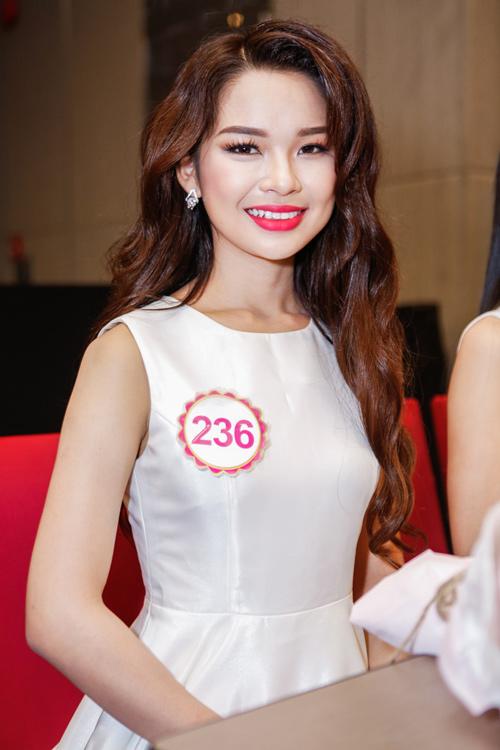 Ngắm top 30 Hoa hậu VN trong lần đầu ra mắt báo chí - 15