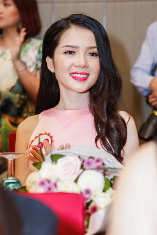 Ngắm top 30 Hoa hậu VN trong lần đầu ra mắt báo chí - 21